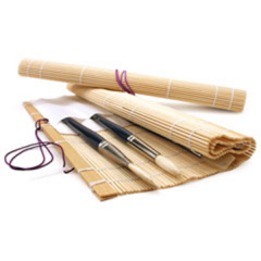 Bamboo Roll-up Brush Holder with Pocket